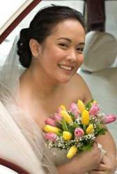 low bridal updo with veil for Asian bride.jpg