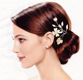 wedding hair with floral clipjpg