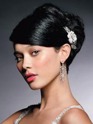 classsic Asian bridal hair with hair clip.jpg
