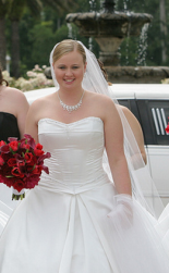Simple class wedding hairstyle with veil and side bangs.PNG