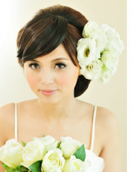 Fresh flowers wedding hairstyle.PNG