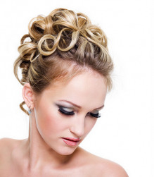 Wedding hairstyle with ringlets.PNG