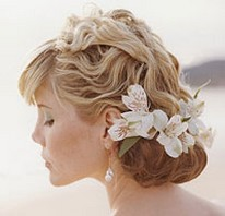 beautiful beach bride hairstyle with flowers.jpg