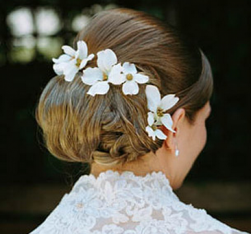 Floral beach bridal hairstyle pictures.PNG