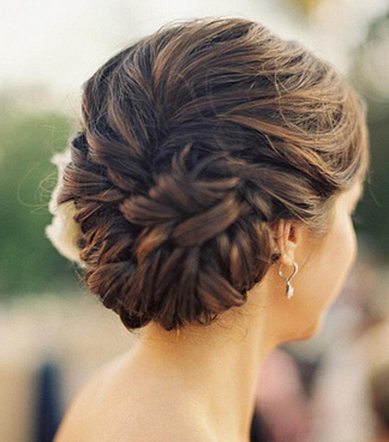 short curls wedding hairdo