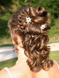 curly bridal hairstyle with big curls.PNG