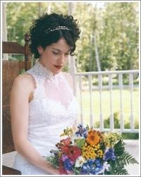 curly short hair bride with head band.jpg