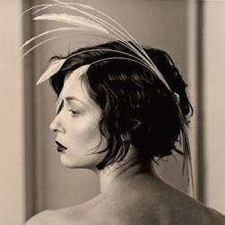 30s wedding hairstyle with short wavy hair.jpg