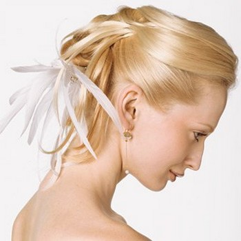 blonde wedding hairstyle.jpg