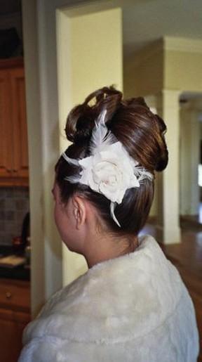 wedding hairstyle with flower.jpg