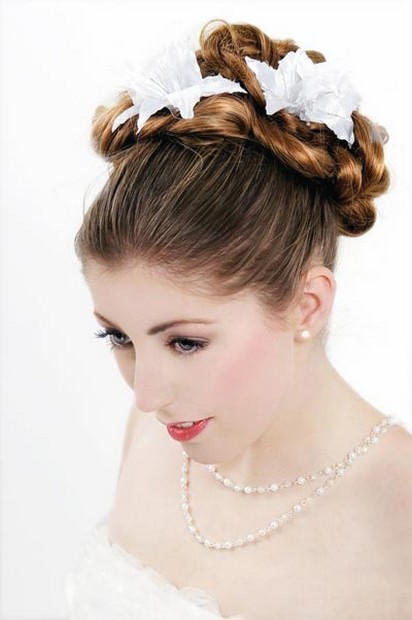 wedding hairstyle with flowers.jpg
