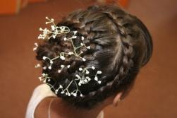 summer wedding hair with fresh flower.jpg